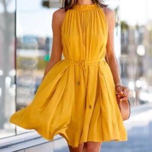 Dresses & Skirts - Yellow gold dress